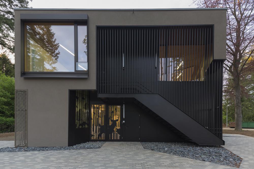 Maison sco besch da costa for Annexe maison moderne